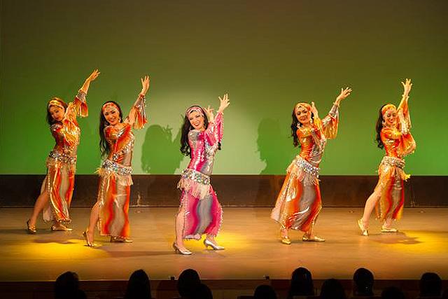 ベリーダンスとは「アラブの民族舞踊」